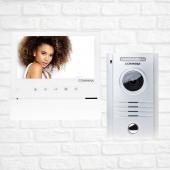 """Zestaw wideodomofonowy kolorowy jednorodzinny marki Commax, w skład zestawu wchodzimonitor bezsłuchawkowy z ekranem LED 7"""" z funkcją interkomu oraz kamera kolorowa z obiektywem szerokokątnym. Przeznaczona do montażu natynkowego, jeden przycisk wywołania, doświetlenie diodami światła białego . . . . #westwingpl #westwing #smarthometechnology #smarthomesystem #smartphone #smartcamera #smart #security #housedesign #housedecor #house #instagood #interior_and_living #interiorinspiration #stayhome #staystrong #staypositive #instagood #instamood #l4l #followme"""
