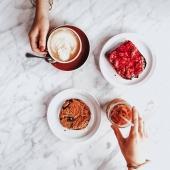 A po ciężkim dniu w pracy czas na kawę! ☕🥧 . . . . #coffee #coffeetime #cake #hardwork #work #afterwork #presetslightroom #presets #instagood #instamood #famillybusiness #famillytime #l4l #smarthometechnology #stayhome #staystrong